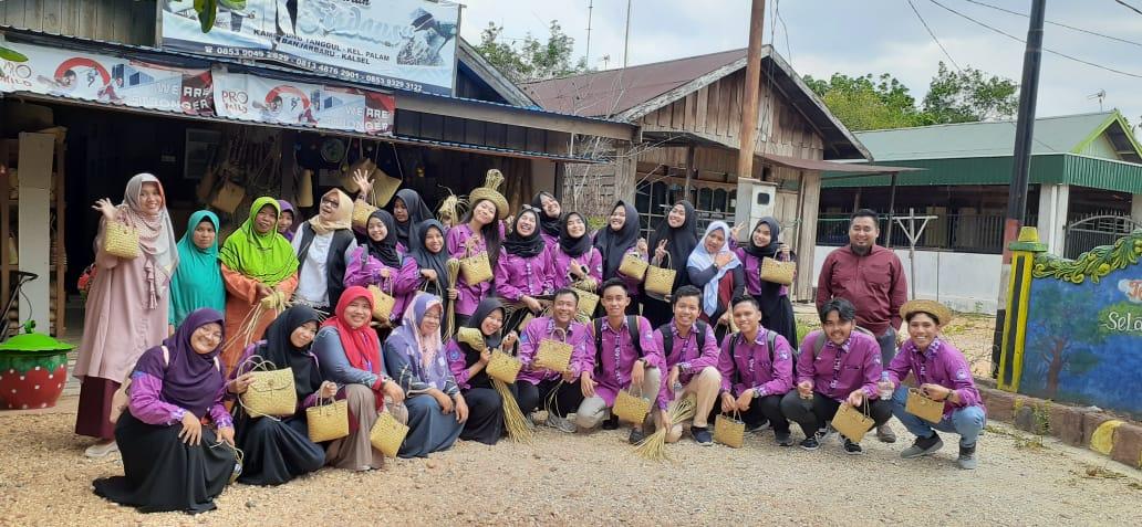 Kuliah Lapangan: Berkunjung Ke Kampung Purun Banjarbaru